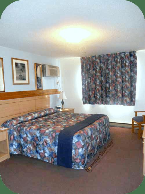 Spacious sleeping space in Mystic hotel