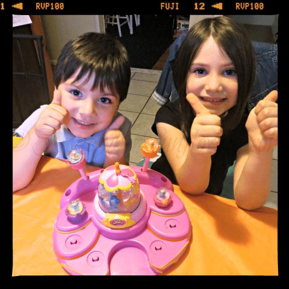 #GlitziGlobes #2thumbsup