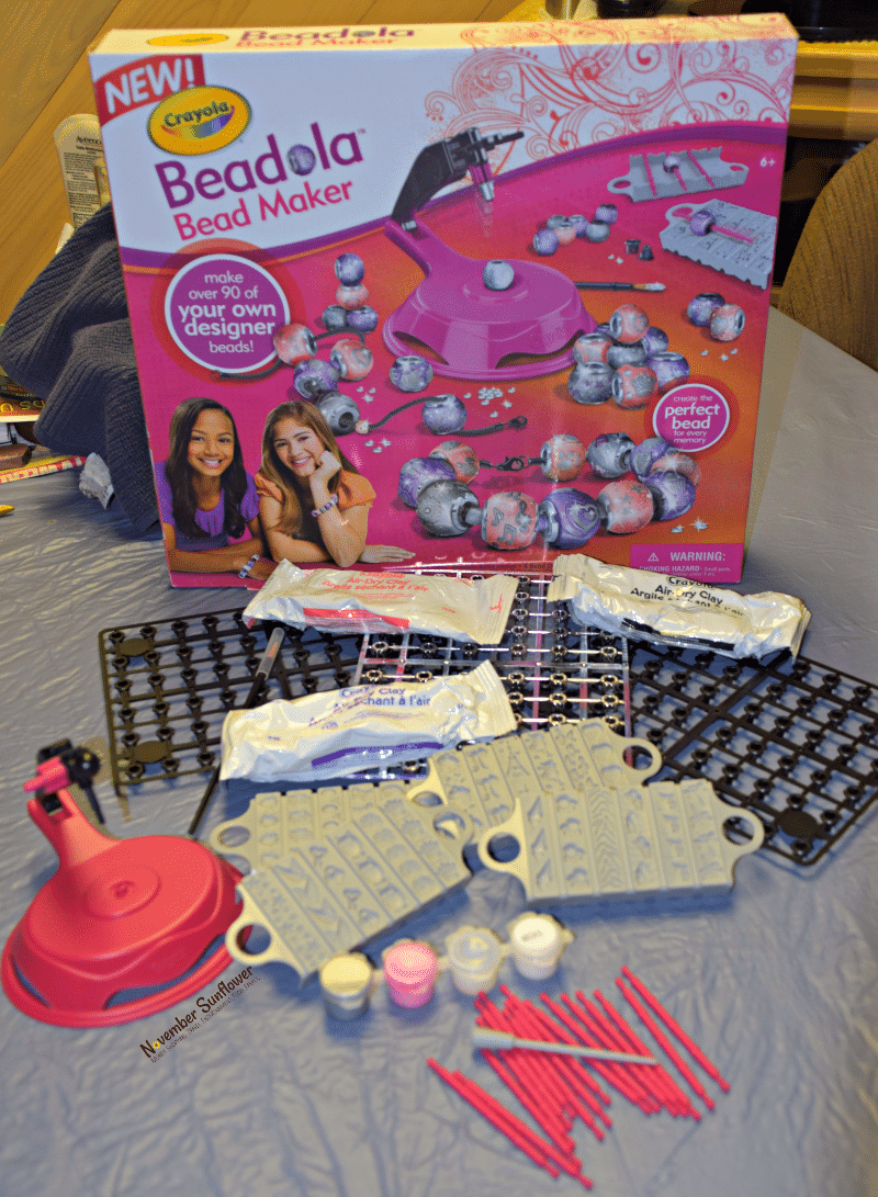 Crayola Beadola Bead Maker #crayola #sponsored