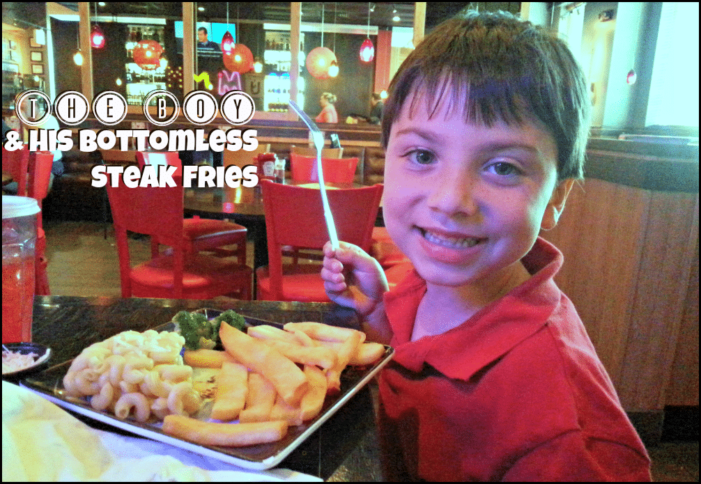 bottomless steak fries at Red Robin Gourmet Burgers #gourmetburgers #bottomlessfries #redrobin