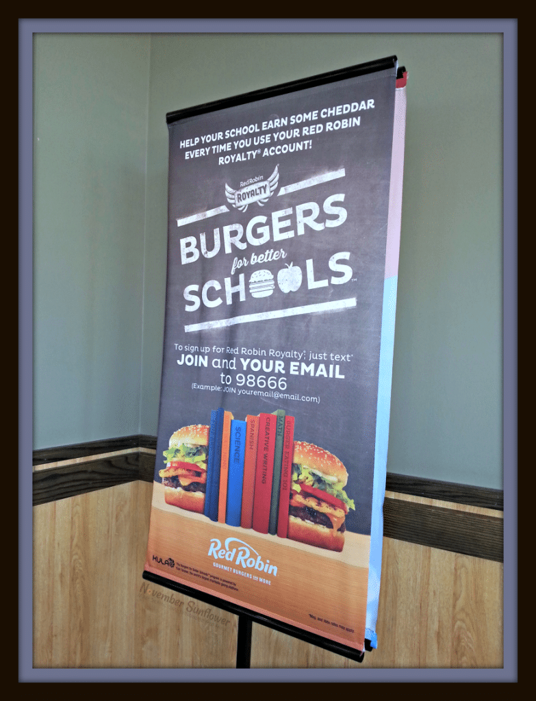Burgers for better schools at Red Robin #redrobin #burgersforbetterschools #gourmetburgers #redrobin #restaurantreview