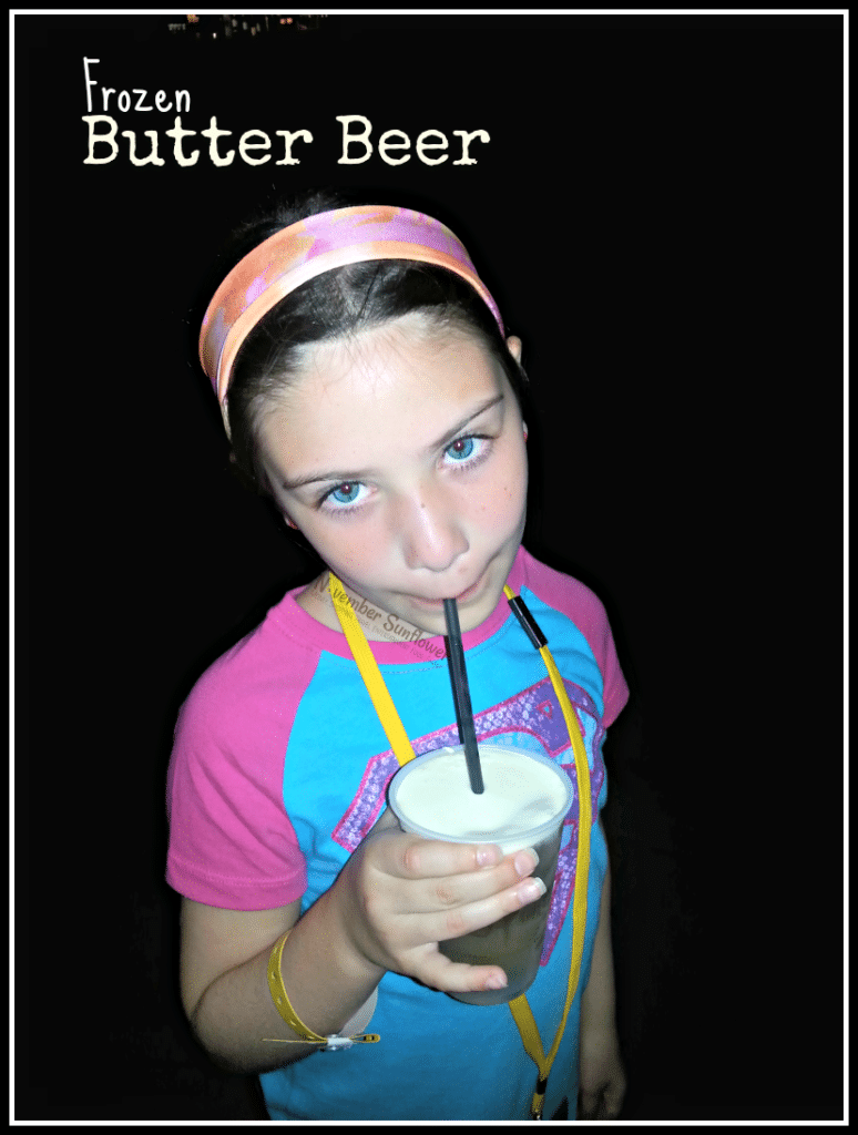 Frozen Butter Beer #HarryPotter #butterbeer #universalmoments #travelwithkids