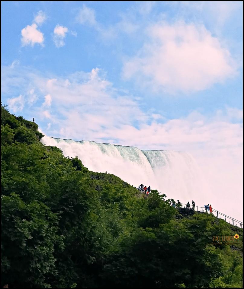 spots to visit in New York like Niagara Falls